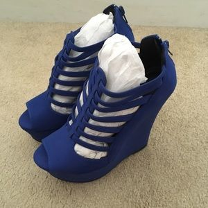 Qupid cobalt blue wedges Size 6